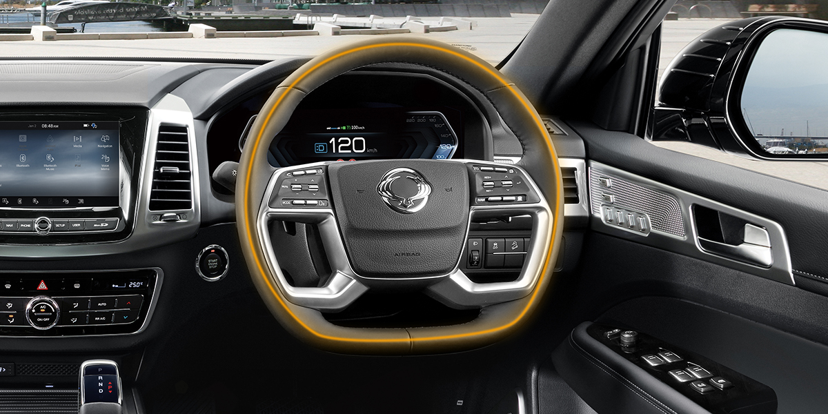 rexton - Steering wheel mounted controls and heated